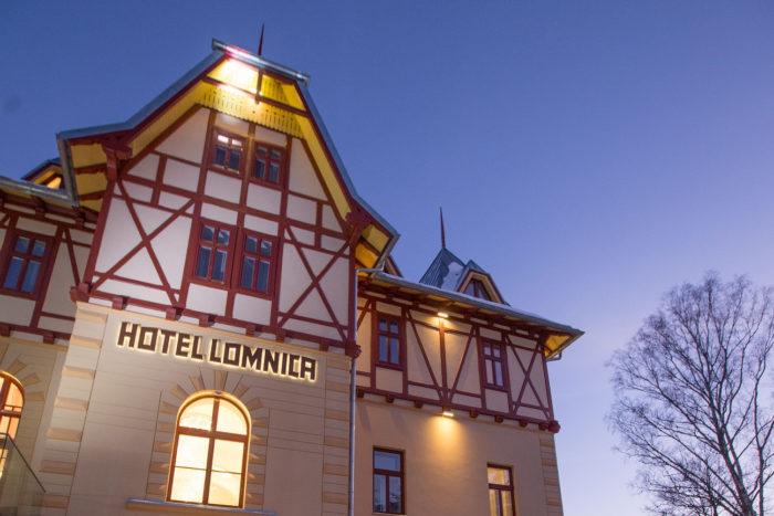 Prvá dáma Tatier už má svojich krstných rodičov. Hotel Lomnica oficiálne otvorený!