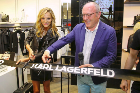 KARL LAGERFELD otevřel v centru Prahy v Nákupní galerii Myslbek