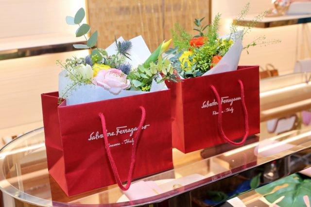 Ferragamo oslavuje otevření pražského butiku #FlowerInvasion