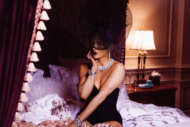 """JENNIFER LOPEZ A TIFFANY & CO. V novém videoklipu k singlu """"DINERO"""" FT. CARDI B. A DJ KHALED"""