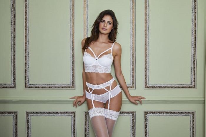 Spodní prádlo Boux Avenue podtrhne siluetu a vytvaruje ženské křivky!