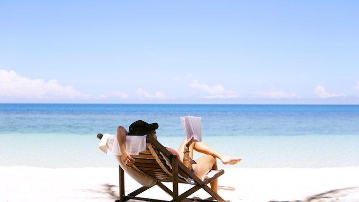 Akú knihu si vziať na letnú dovolenku?